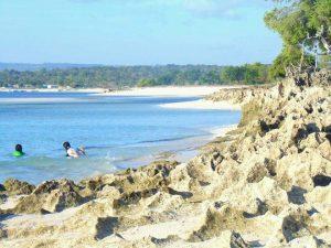 Pengelolaan Pantai Wisata Tablolong Berdampak Ekonomi Bagi Warga Sekitar