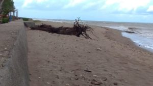 Keindahan Pantai Sulamanda Harus Dijaga