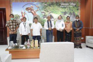 Gubernur Undang Menko Maritim Panen Garam dan Kerapu 2021