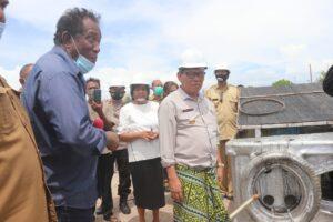 Nelayan Kabupaten Kupang Terima Sarana Perikanan